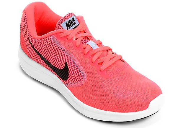 Nike Air Revolution 3