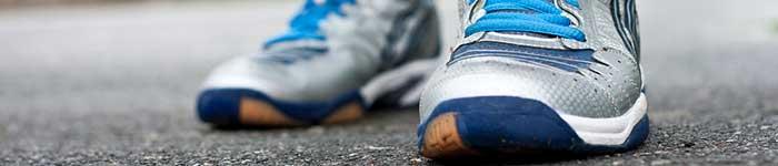 escolher tenis pés planos