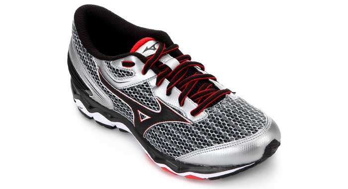 Mizuno Wave Hawk 2